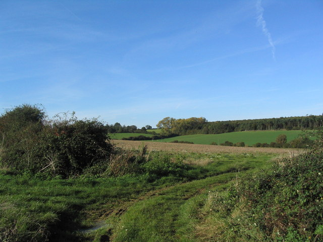 Footpath curving north to the Southwick-Bulwick road
