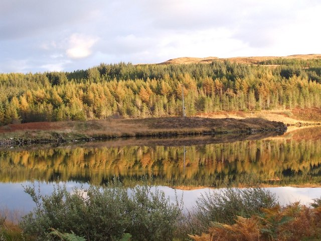 Loch Meadhoin - Autumn reflection