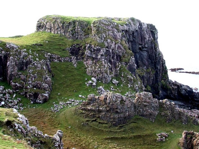 Site of ancient fort near Haunn