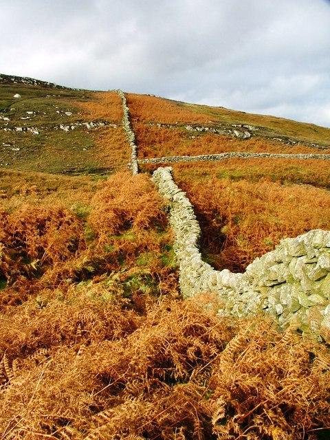 Wall, Climbing to Ben John