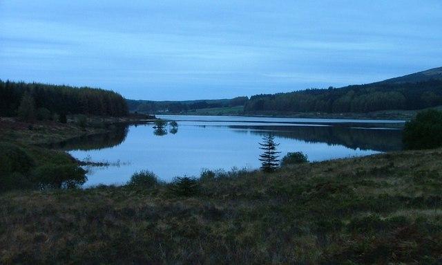 Clatteringshaws Loch, Dusk
