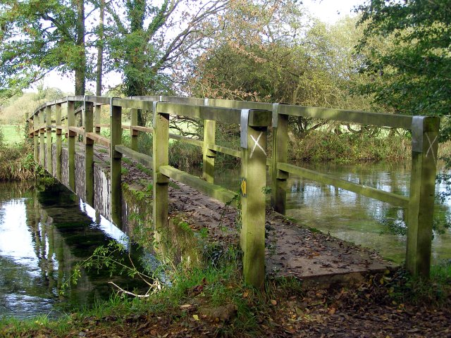 Footbridge over the River Itchen to Itchen Stoke