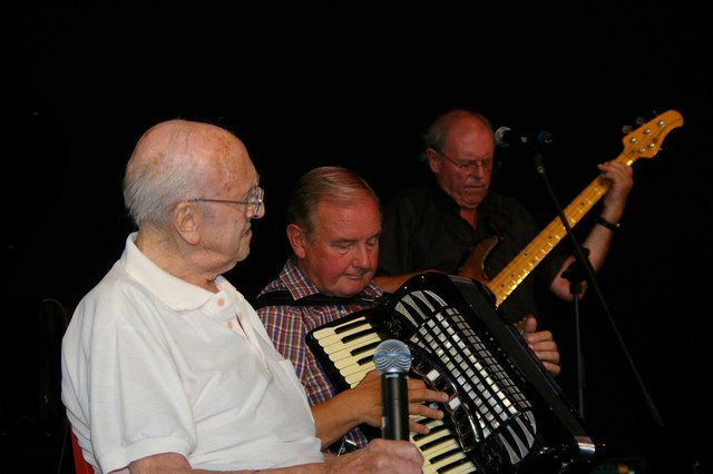 Old Stagers Performing