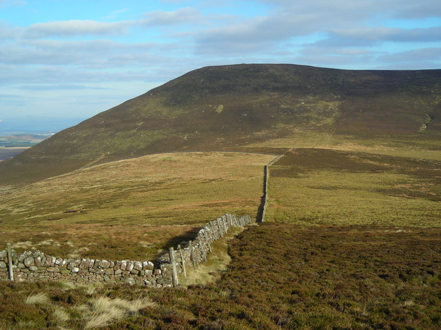 Looking over Cauldstane Slap to East Cairn Hill