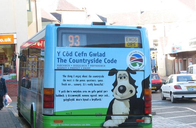 A Bilingual Reminder of the Countryside Code at Caernarfon Bus Station