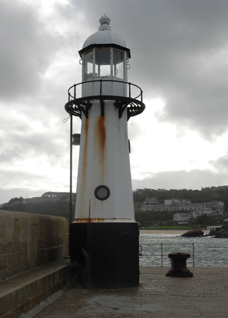 Lighthouse on Smeaton's Pier, St. Ives