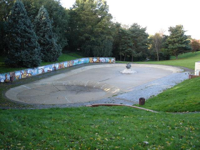 Paddling pools next to Harlow Swimming Pool