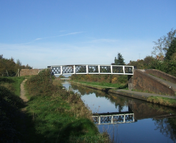 Footbridge over the Birmingham Main Line Canal