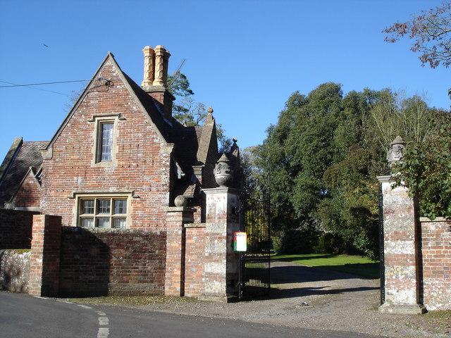 Gatehouse at south entrance to Edmondsham House