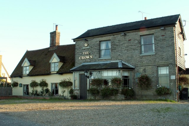 'The Crown' inn at Mill Green