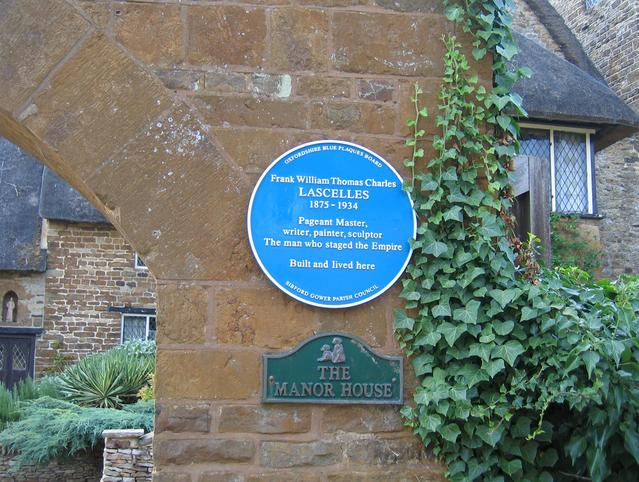 Blue Plaque at the Manor House