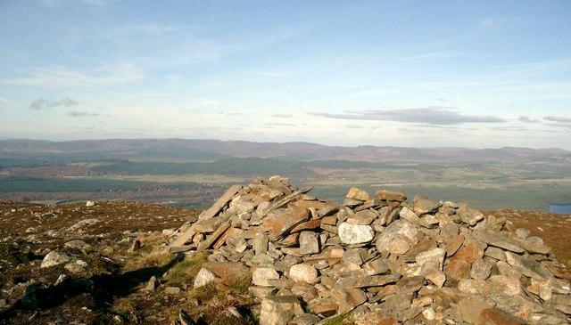 SE summit of Craiggowrie
