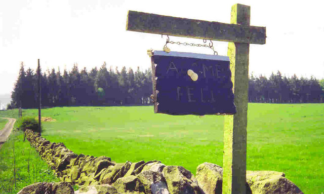Acomb Fell Farm - sign at entrance to farm track
