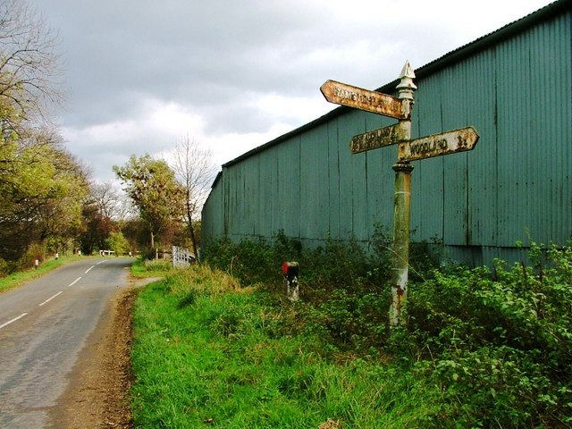 Signpost, Junction of Daniel Lane with Crane Row Lane