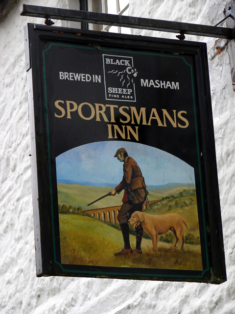 Sportmans Inn Sign
