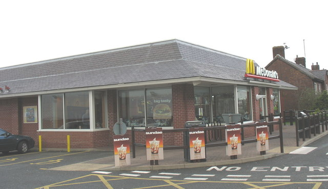 The Bangor McDonald's Restaurant near the bottom of Coed Mawr
