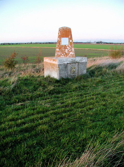 Crown Estate Monument, Sunk Island