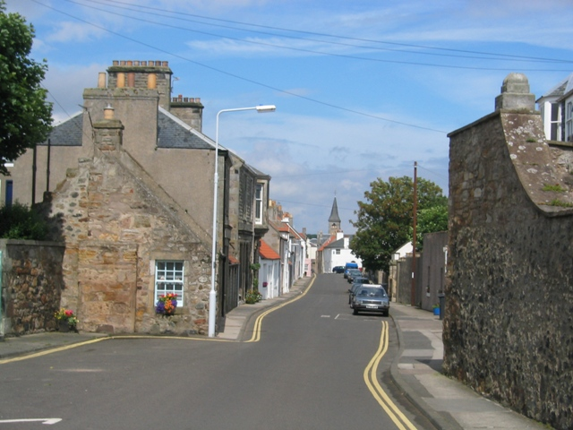 Earlsferry High Street looking north east