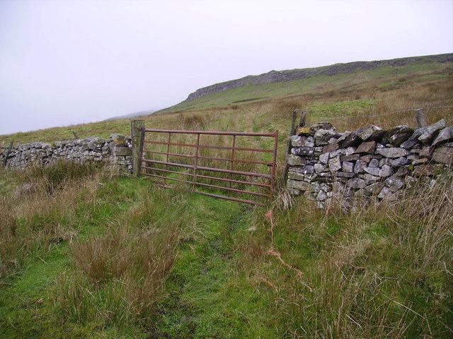 Gate above Gastack