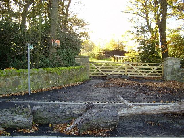 Footpath from Beanley Lane leading past Fell Edge Farm