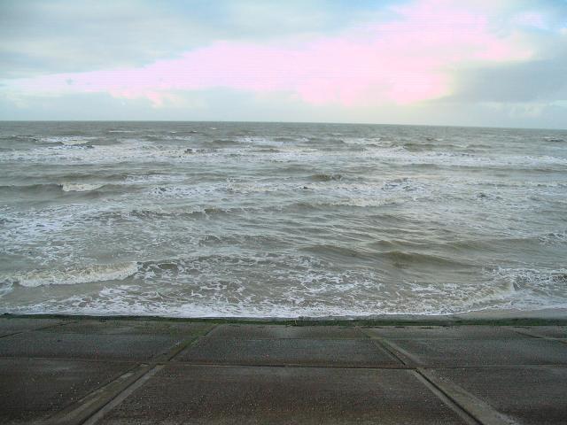 High tide at Mockbeggar Wharf