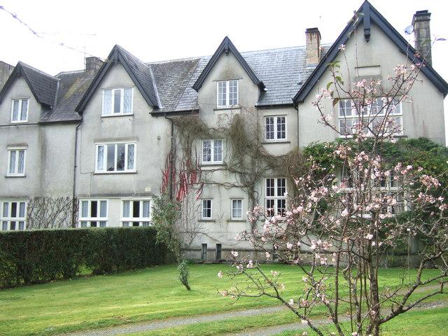 Pontfaen House