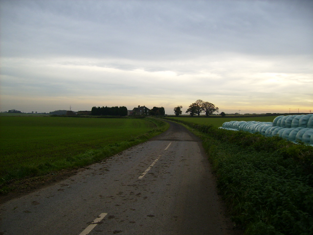Track leading to Home Farm