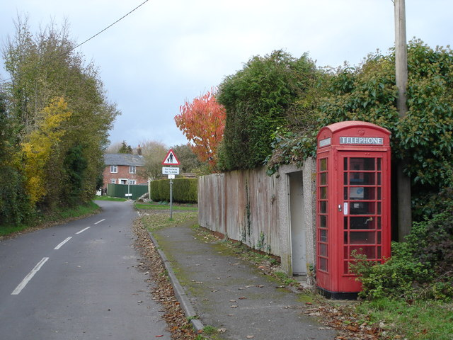 Woodyates Village
