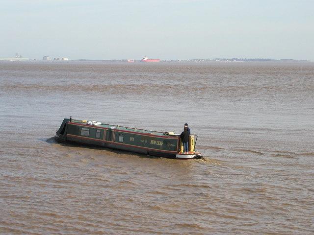 Narrowboat on the River Humber!