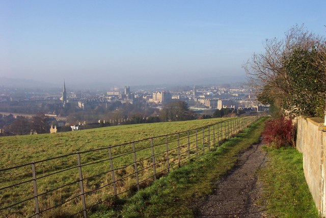 Footpath overlooking Bath city centre