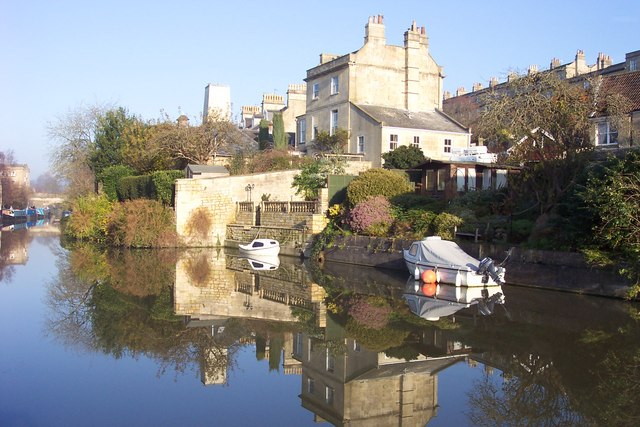 House above the Kennet and Avon Canal at Bathwick.