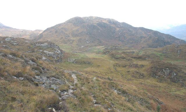 Looking east towards the mine track in Cwm Afon-y-Cwm