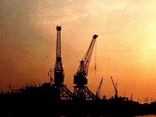 Anchor Line Cranes
