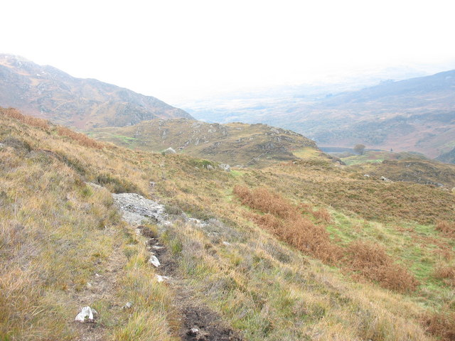 Approaching the Afon-y-Cwm valley