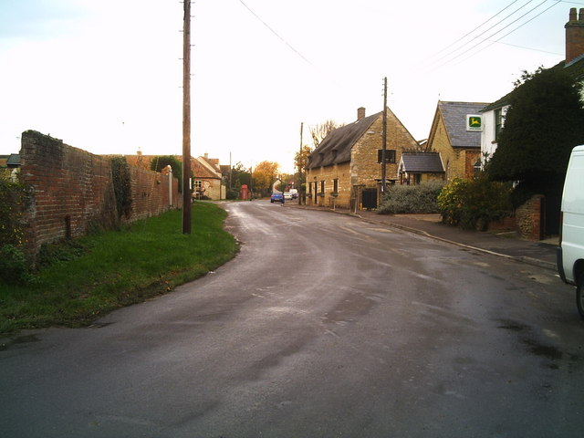 Dyke High Street - looking west