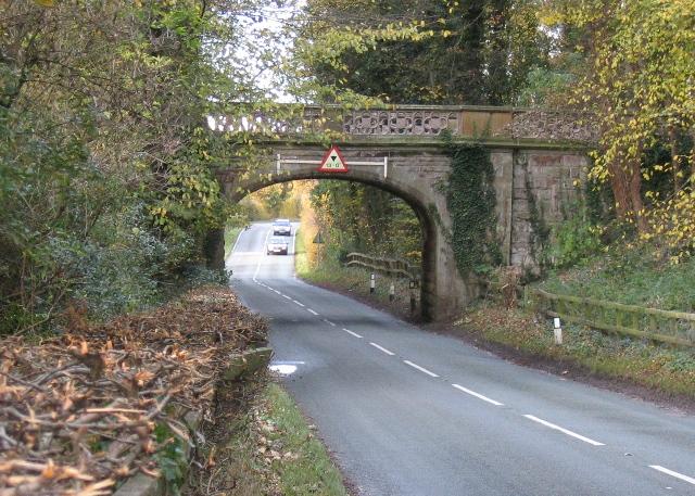 Carriage road bridge near Aldford