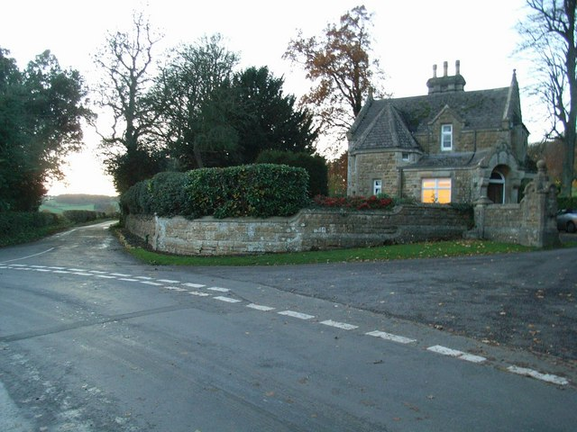 Road junction by Copse Hill Lodge
