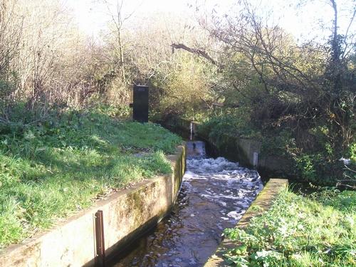 Sluice at Dimmingsdale Lock