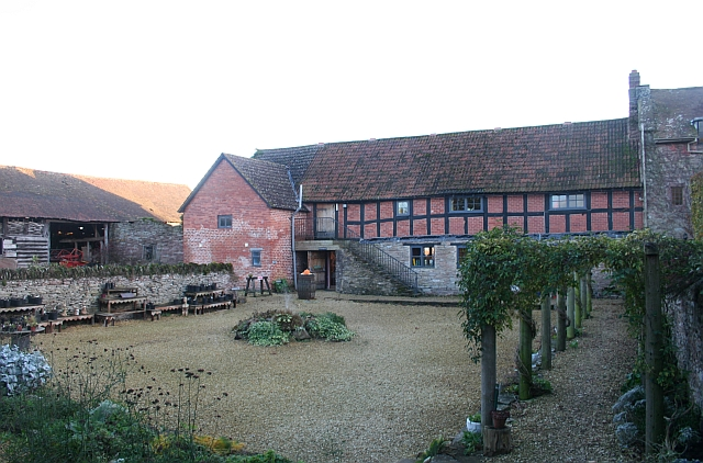 16th Century Winery, Broadfield Court