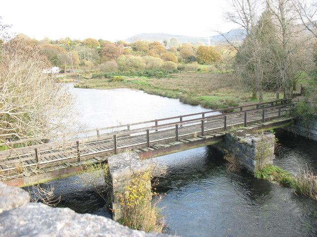 Disused railway bridge at Pontrhythallt