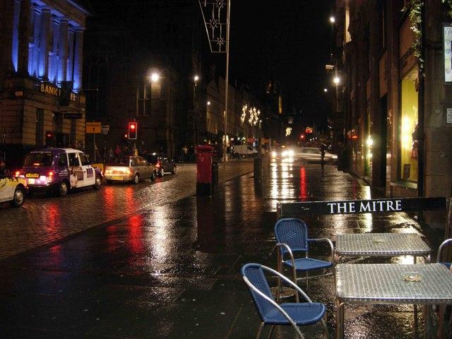 High Street, Edinburgh by night