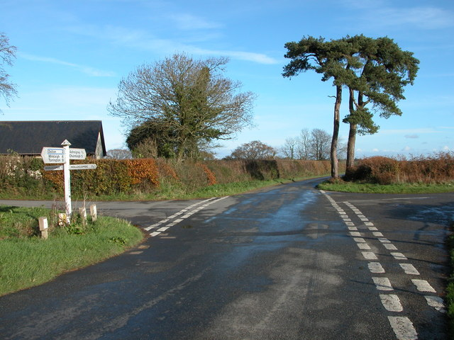 Crossroad at Lodgey Cross, Hollocombe Moor