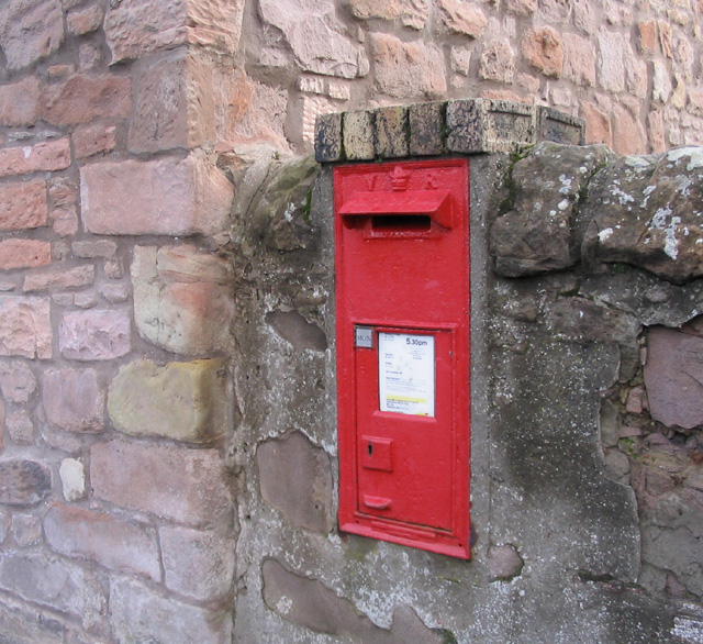 Victorian wall postbox