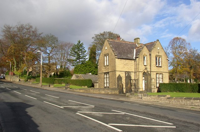 The lodge to Brighouse Cemetery, Lightcliffe Road, Brighouse