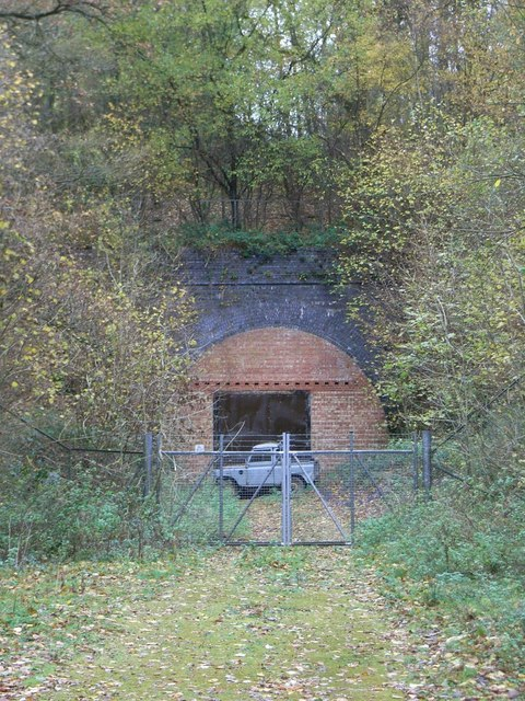 Former railway tunnel under Sandywell Park