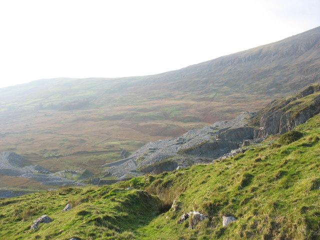 Gorseddau Quarry from the Cwm Oerddwr Col