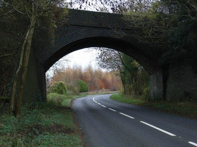 Railway bridge over A436