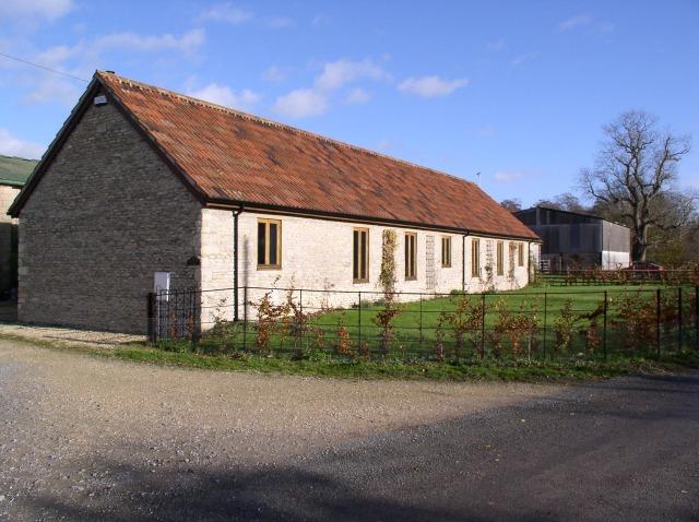Converted farm building, Calstone Wellington