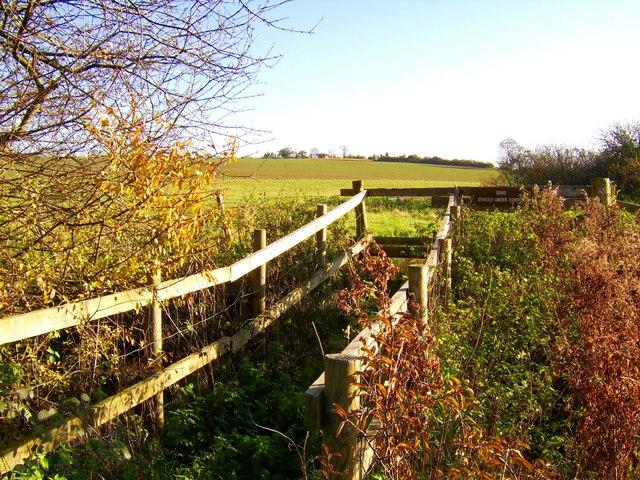 Stile near to Chalkhill