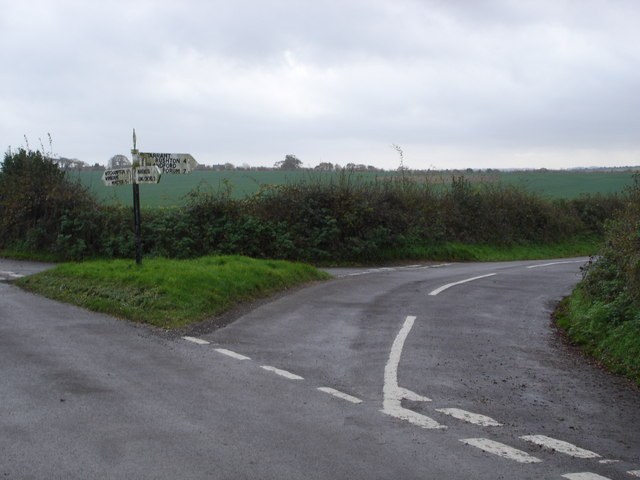 Junction at Sheephouse Drove
